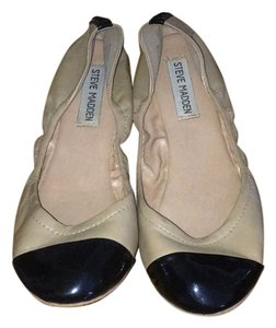 Steve Madden Camel (tan) and black Flats