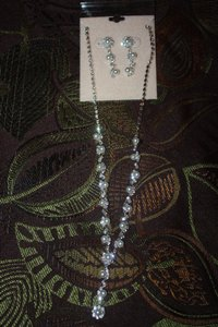 David's Bridal White Jewelry Set