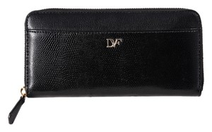 Diane von Furstenberg DIANE VON FURSTENBERG Lip Zip Around Continental Black Clutch