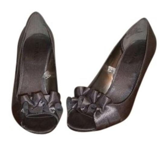 Preload https://item5.tradesy.com/images/merona-pewter-women-s-ashley-assorted-colors-pumps-size-us-7-144214-0-0.jpg?width=440&height=440