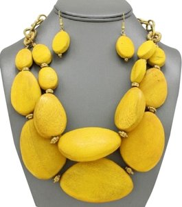 Antique Gold Natural Wood Yellow Necklace And Earrings