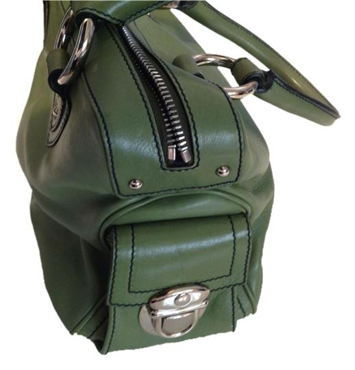 Preload https://item5.tradesy.com/images/marc-jacobs-green-leather-satchel-1442259-0-0.jpg?width=440&height=440