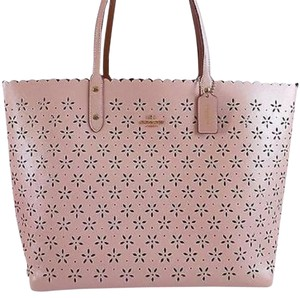 Coach Tote in Peach Rose