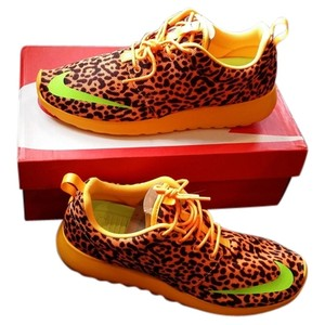 Nike Leopard Athletic