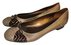 BCBGeneration Brown Flats