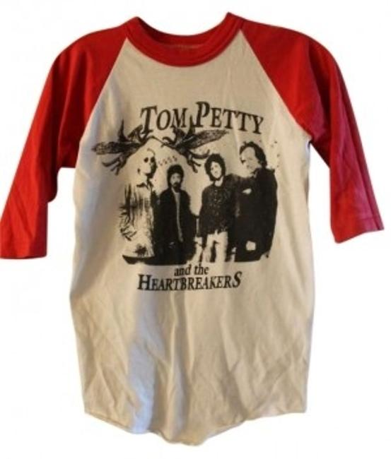 Preload https://img-static.tradesy.com/item/144350/baseball-tom-petty-and-the-heartbreakers-tom-petty-red-and-white-tee-shirt-size-00-xxs-0-0-650-650.jpg