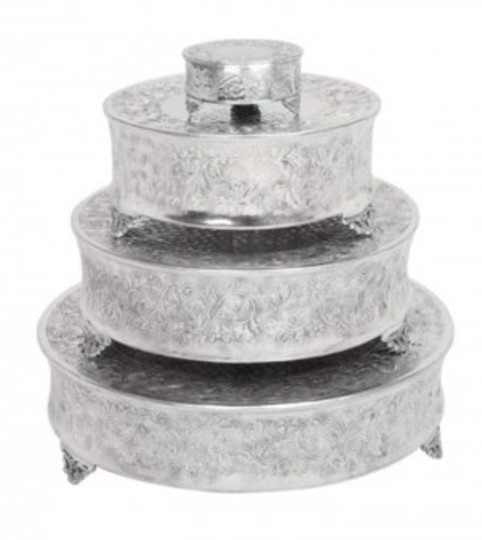 Preload https://item4.tradesy.com/images/silver-22-round-cake-stand-other-144358-0-0.jpg?width=440&height=440