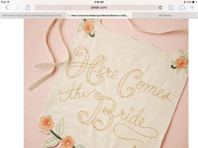 Item - Ivory Peach Here Comes The Bride Banner