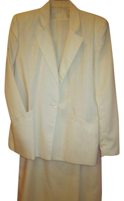 Other White fully lined suit