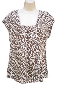 Trina Turk Silk Short Sleeve Embossed Print Top Brown Cream