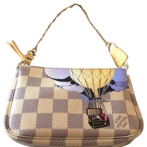 Louis Vuitton Trunks Clutches Pochette Illustre Rare Wristlet in Damier Azur