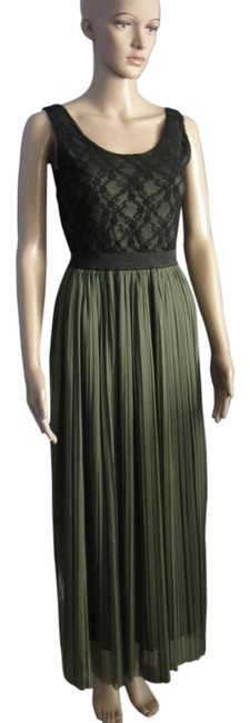 Item - Green Sleevless Long Night Out Dress Size 4 (S)