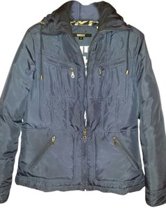 DKNY Ski Jacket 4 Pockets Fits Like 6-8 Hits Below Waist Lining Coat