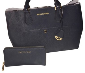 MICHAEL Michael Kors Tote in Navy And Sky Blue