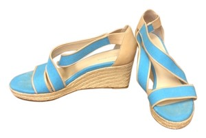 Taryn Rose Size 9.5 Straw Sky Rose Sandals