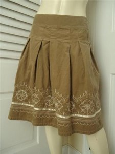 Ann Taylor LOFT Fine Wale Cord Pleated 2 2p Embroideryhot Skirt Beiges