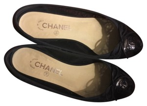 Chanel Navy Flats