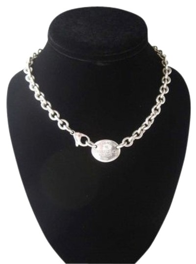 Preload https://item4.tradesy.com/images/tiffany-and-co-silver-return-to-oval-tag-necklace-144518-0-0.jpg?width=440&height=440