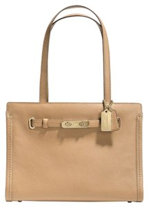 Coach Swagger Pebble Leather Tote in Light Gold/Nude