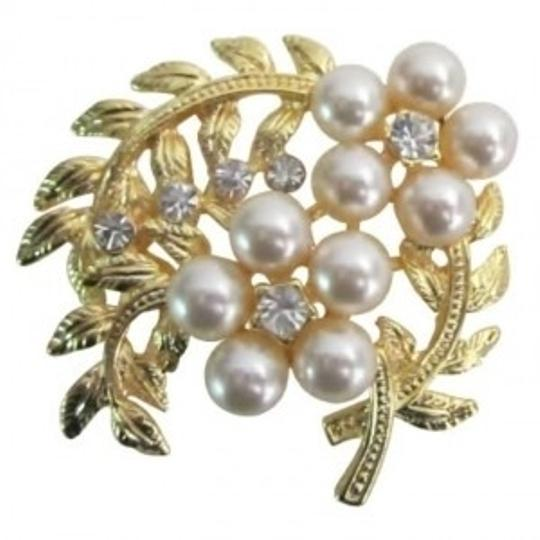 Preload https://item4.tradesy.com/images/gold-ivory-fabulous-bouquet-fantasy-floral-designs-artistically-designed-broochpin-144523-0-0.jpg?width=440&height=440