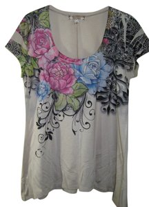 Decree Size L Short Sleeve Red Top Tan with red, blue roses and black shapes.