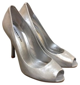 41d584f3d8e Women s Silver Gianni Bini Shoes - Up to 90% off at Tradesy