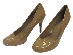 Mossimo Supply Co. New Size 10.00 Excellent Condition Neutral Pumps