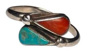 Vintage Native American Sterling Silver Turquoise & Red Corral Ring Size 6 R401