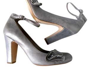 Hinge Bling Retro Gray Evening Wedding Event Silver Pumps