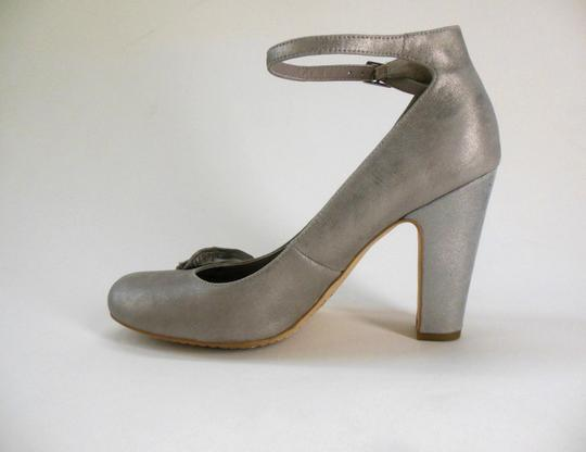 Hinge Bling Shimmer Retro Gray Evening Wedding Event Silver Pumps