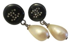 Chanel CHANEL CC DROP FAUX PEARL EARRINGS
