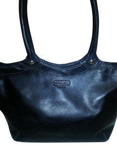 3048d402c4d Coach Leather Totes - Up to 70% off at Tradesy