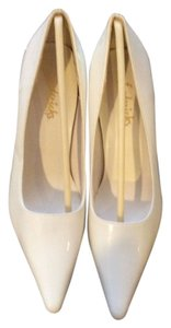 Frederick's of Hollywood White Pumps