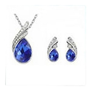 Beautiful Blue Fashion Set Earrings and Matching Necklace