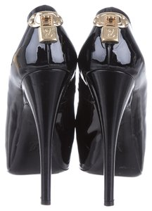 Louis Vuitton Patent Leather Oh Really Black Pumps