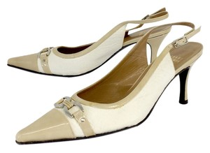 Stuart Weitzman Cream Ivory Pointed Toe Sandals