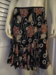 Ann Taylor LOFT Petites 8p Polyester Gored Flared Lined Floral Print Chic Skirt Multi-Color