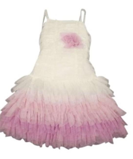 Preload https://item5.tradesy.com/images/isobella-and-chloe-white-pink-lavender-child-s-flower-applique-layered-material-knee-length-short-ca-144674-0-0.jpg?width=400&height=650