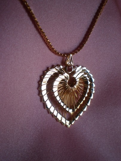 Other Like new heart necklace