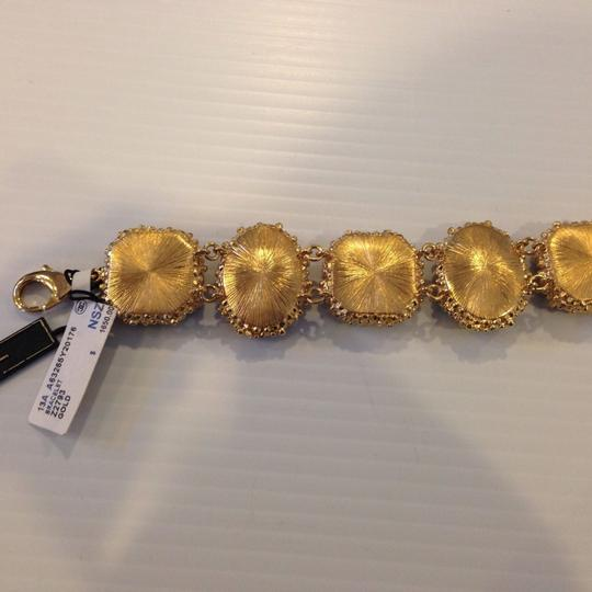 Chanel CHANEL AUTHENTIC NWT FEATHER FLOWER BRACELET ($1800) w/tax