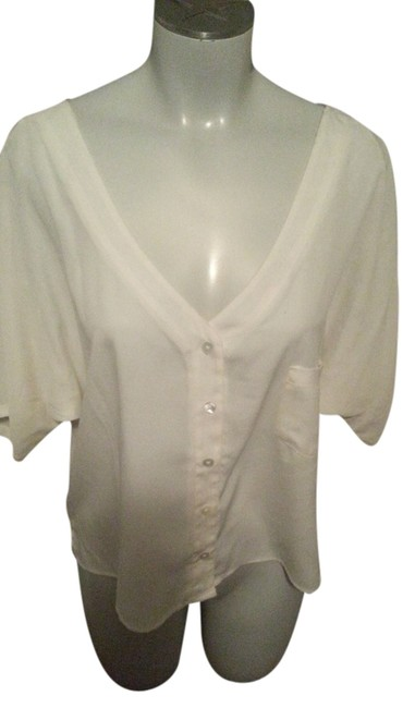 Preload https://item4.tradesy.com/images/jessica-simpson-off-white-creme-new-shipping-included-blouse-size-10-m-1447078-0-0.jpg?width=400&height=650