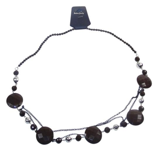 Preload https://img-static.tradesy.com/item/14473954/brown-fashion-with-beads-and-chains-necklace-0-1-540-540.jpg