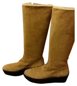 Tod's Camel Boots