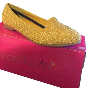ShoeDazzle Mustard w Gold bead embellishments Flats