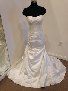 Martina Liana Silk Dupioni 424 Modern Wedding Dress Size 12 (L)