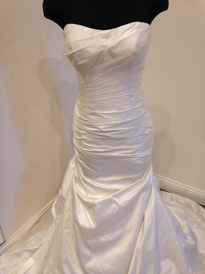 Martina Liana Silk Dupioni 424 Modern Wedding Dress Size 12 (L) Image 2