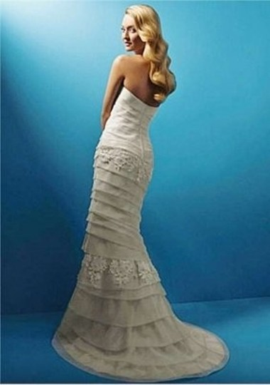 Alfred Angelo Ivory #1357 Style 2099 Wedding Dress Size 6 (S)
