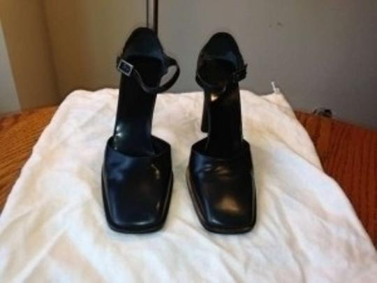 Gucci Ankle Strap 4 Inch Heels. 37c European 7-7.5 Us Navy Blue Pumps
