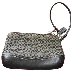 Coach Wristlet in black/grey
