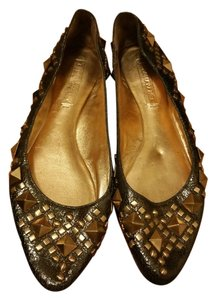 BCBGMAXAZRIA gold with studs Flats